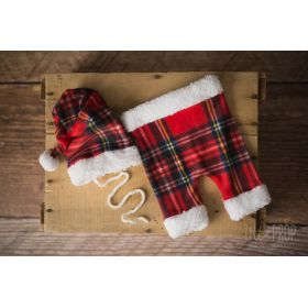 Red Plaid Holiday Outfit