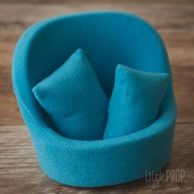 Grand Pod Cozy Turquoise Newborn Photography Prop