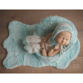 Cover, outfit & Ruggy Newborn Photography Prop