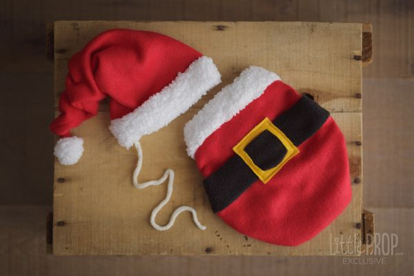 Santa Wonder Wrap & Hat Set